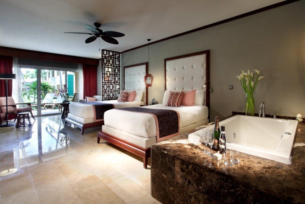 Grand-Palladium-Bvaro-Suites-Resort-Spa-Deluxe-junior-suite-8
