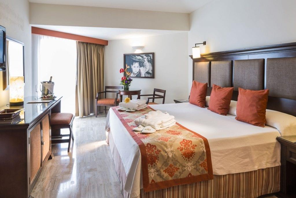Grand-Palladium-Vallarta-Resort-Spa-Habitacin-Deluxe-Ocean-View