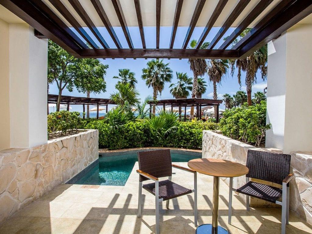 Preferred-Club-Junior-Suite-Ocean-View-Swim-Out-terrace