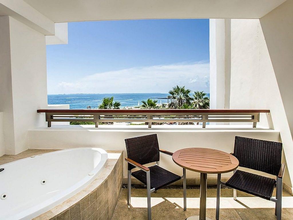 Preferred-Club-Junior-Suite-Ocean-View-terrace