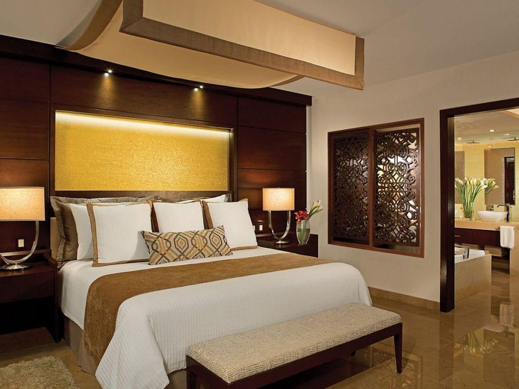 SECPM_MasterSuite_Bedroom_2A