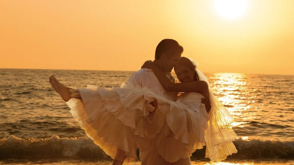 SEVPV_BrideGroom_Beach1_2
