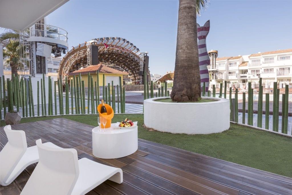 Ushuaia-Ibiza-Beach-Hotel-Front-Row3