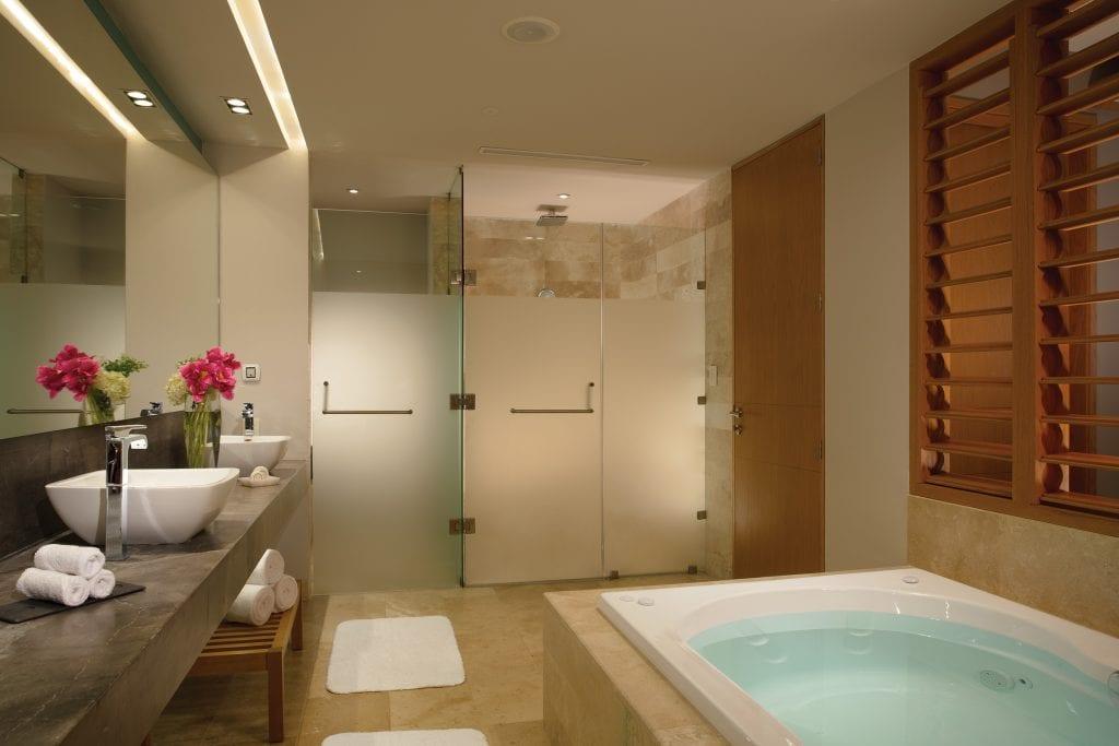DREPM_Master_St_Bathroom_1A