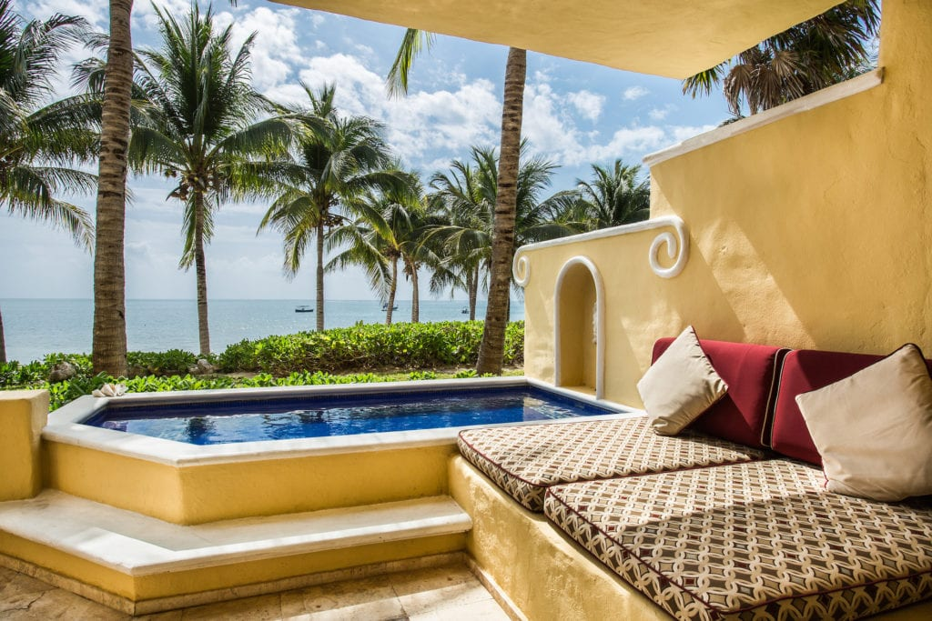 Ocean-Front-One-Bedroom-Suite-with-Plunge-Pool-terrace