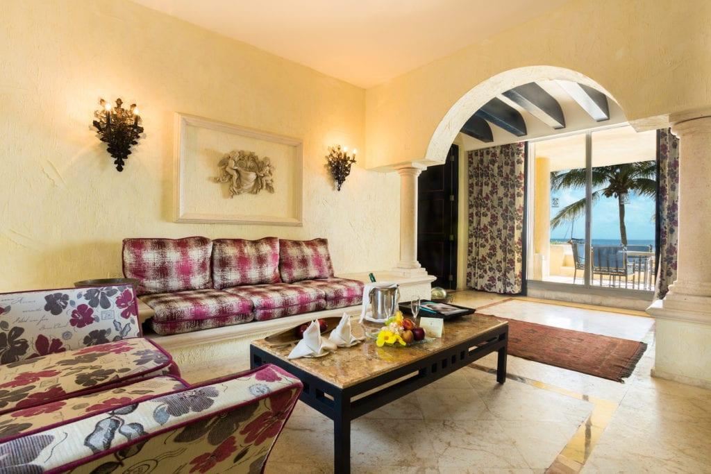 Ocean-Front-One-Bedroom-Suite-with-Terrace-living-area