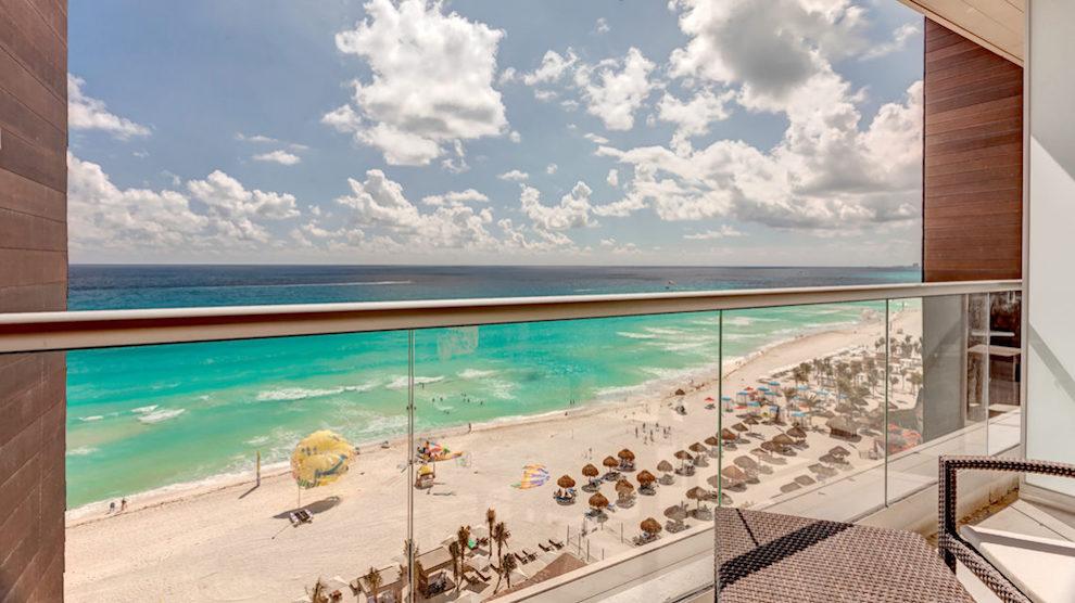 RSC_Luxury_Junior_Suite_Ocean_View_DC_Hi_Res_010-2
