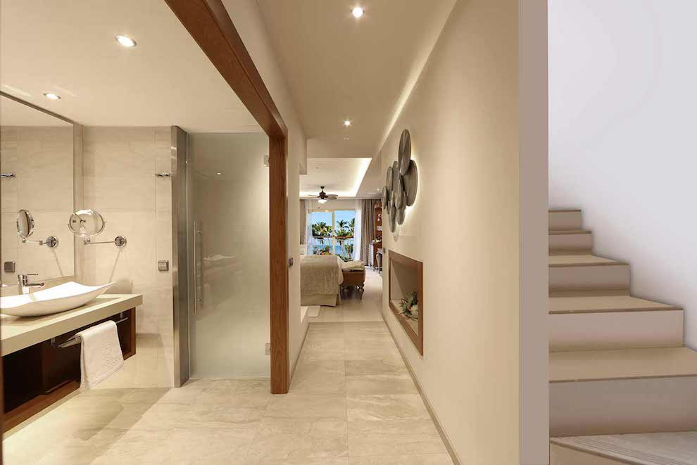 Family-Club-Sky-View-Suite-wc