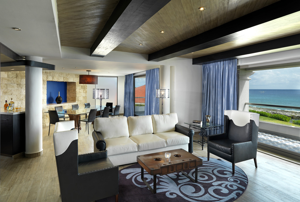 HRH Riviera Maya Heaven Rock Suite Platinum Living Room 010115