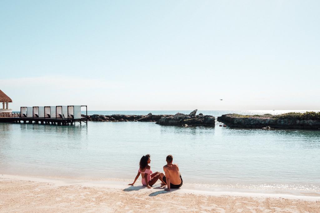HRHRM_Lifestyle_Beach4