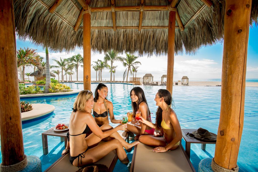 Hyatt-Ziva-Los-Cabos-Girls-By-Pool