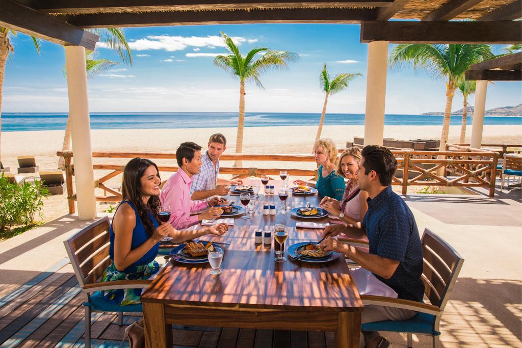 Hyatt-Ziva-Los-Cabos-La-Hacienda-Group-Dining