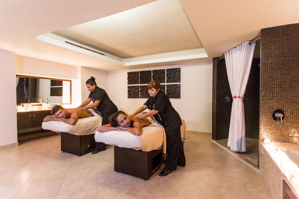 Hyatt-Ziva-Los-Cabos-Spa-Couple-Massage