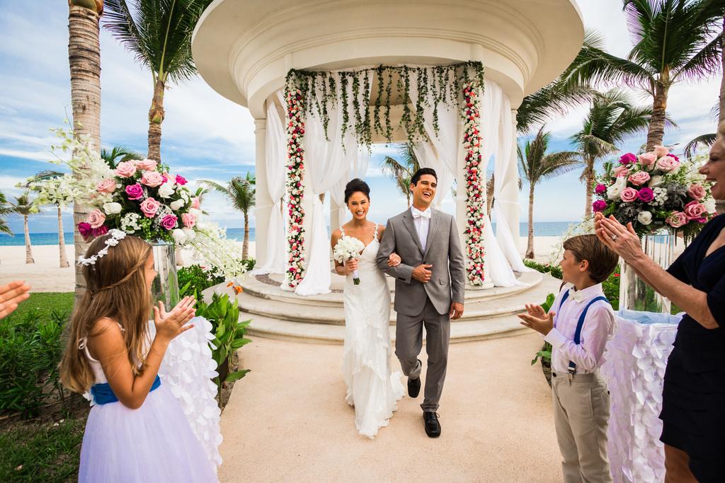 Hyatt-Ziva-Los-Cabos-Wedding-Gazebo-Couple-Just-Married-Guests