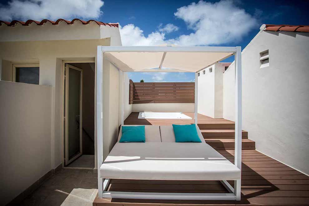 Mirage-Club-Sky-View-Suite-bed-terrace