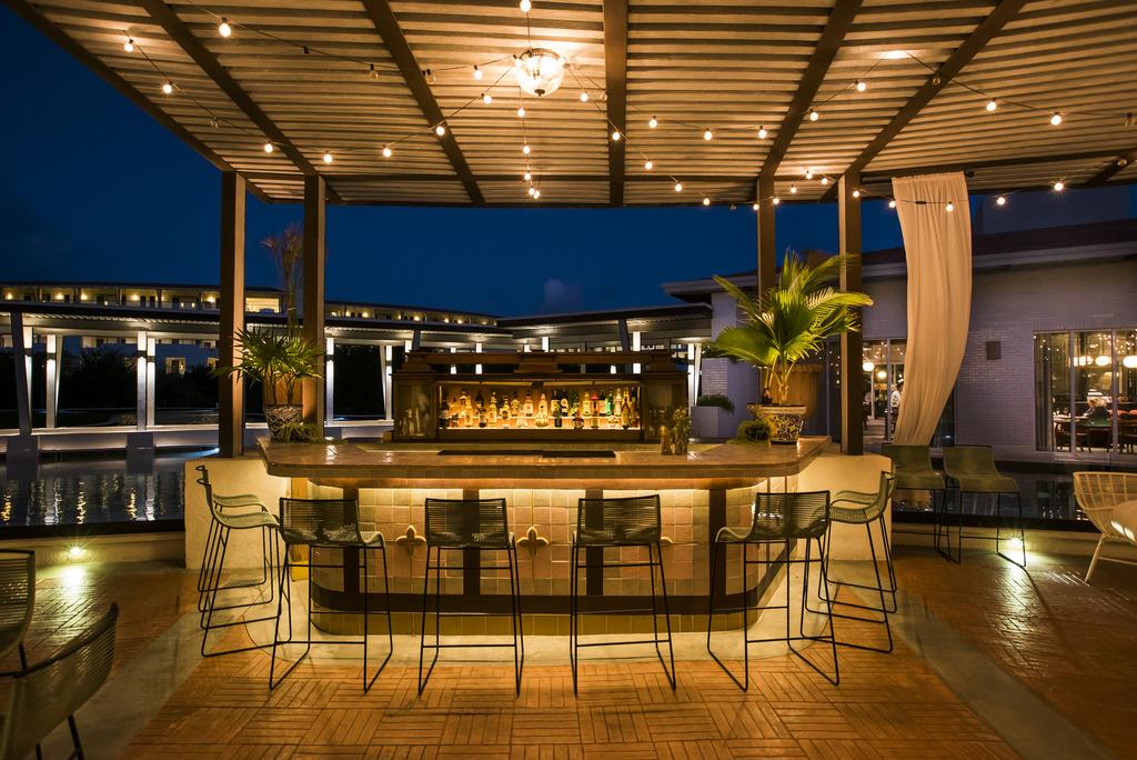 Palmera Lounge-outside bar