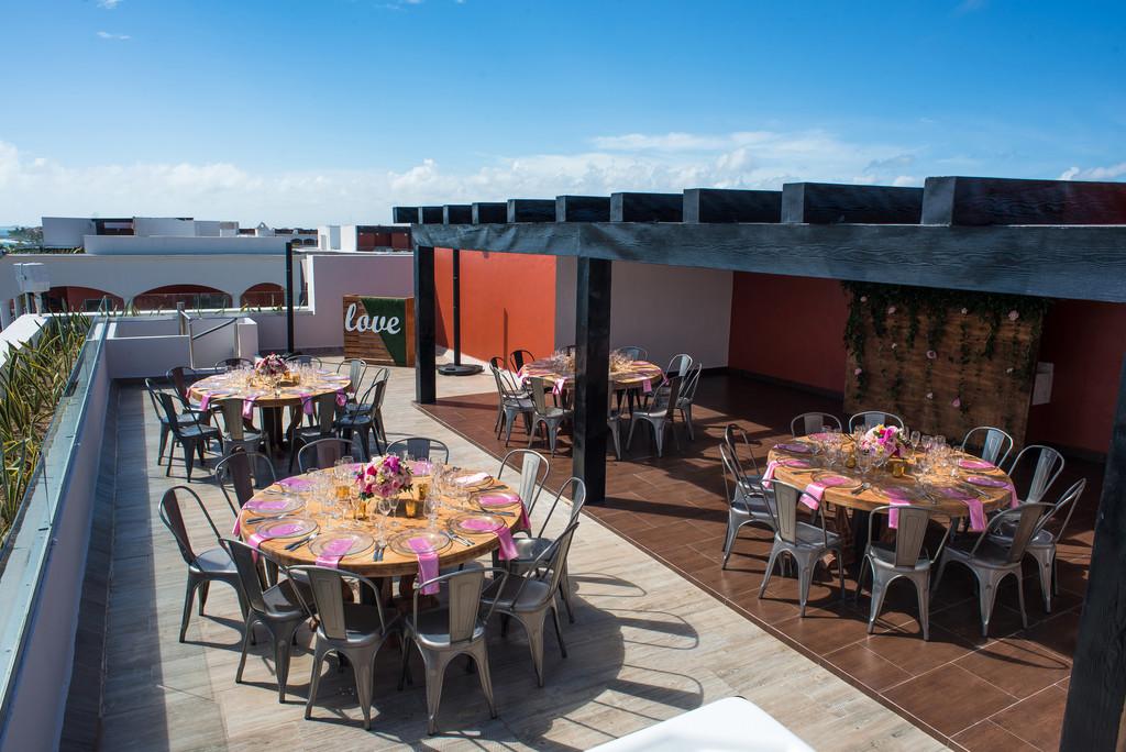 Rock Suite Platinum Rooftop Lounge Set Up 2