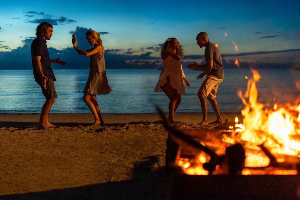 cr-negril-bonfire-lifestyle-5e34a13e9a749-1500×1000