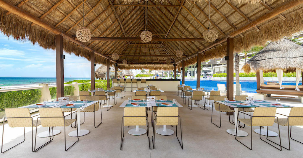 314ParadisusCancun-La Palapa Restaurant Royal Service