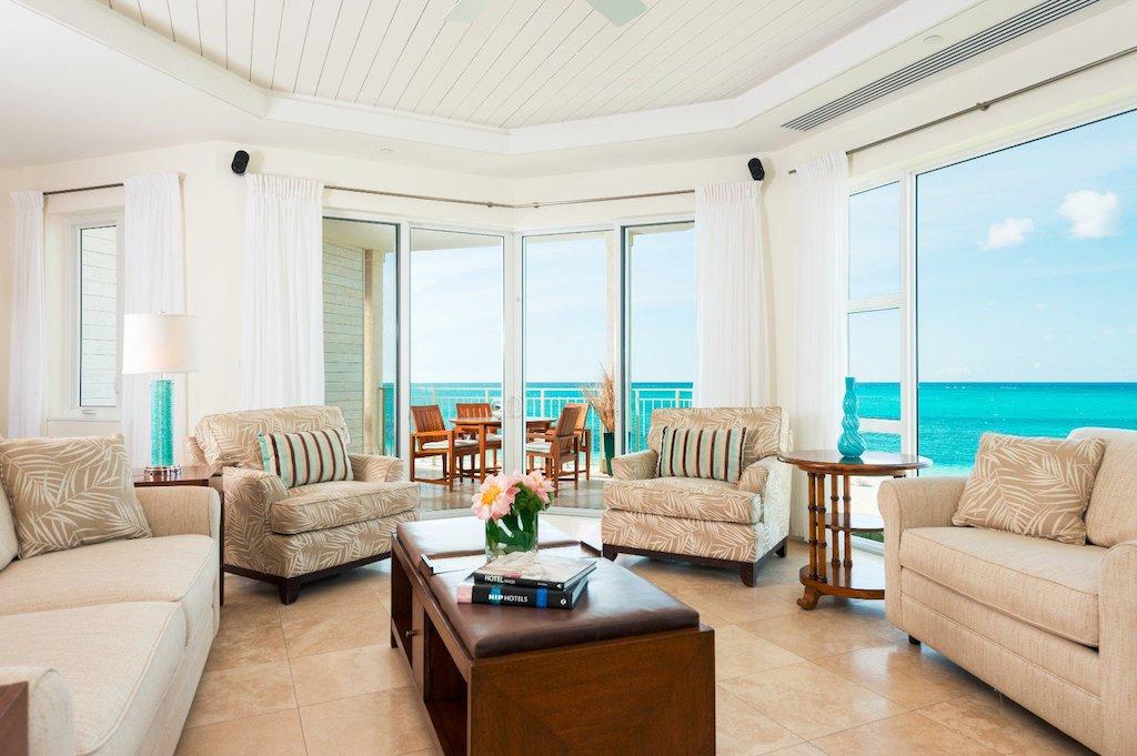 44-ocean_front_luxury_1_bedroom_suite-living_room