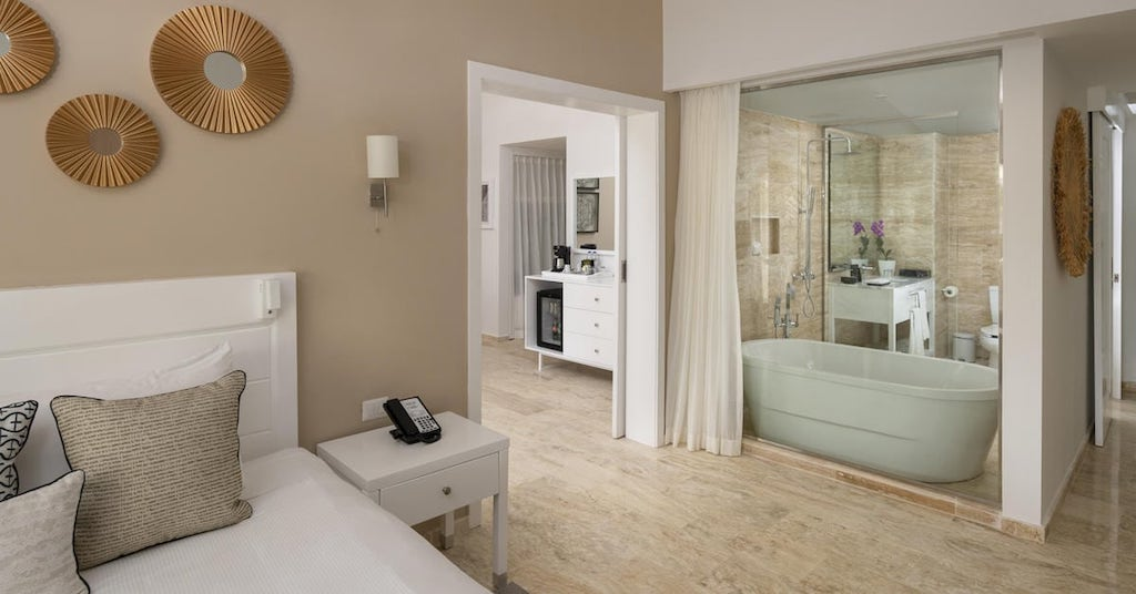 77107bMeliaPuntaCanaBeach-TheLevel_Royal_Suite