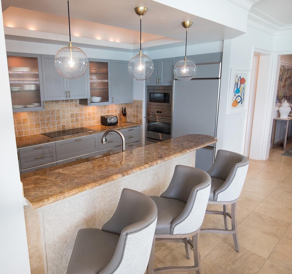 dd-seven-stars-accommodations-oceanfront-grand-salon-1-5c8a99365faa0
