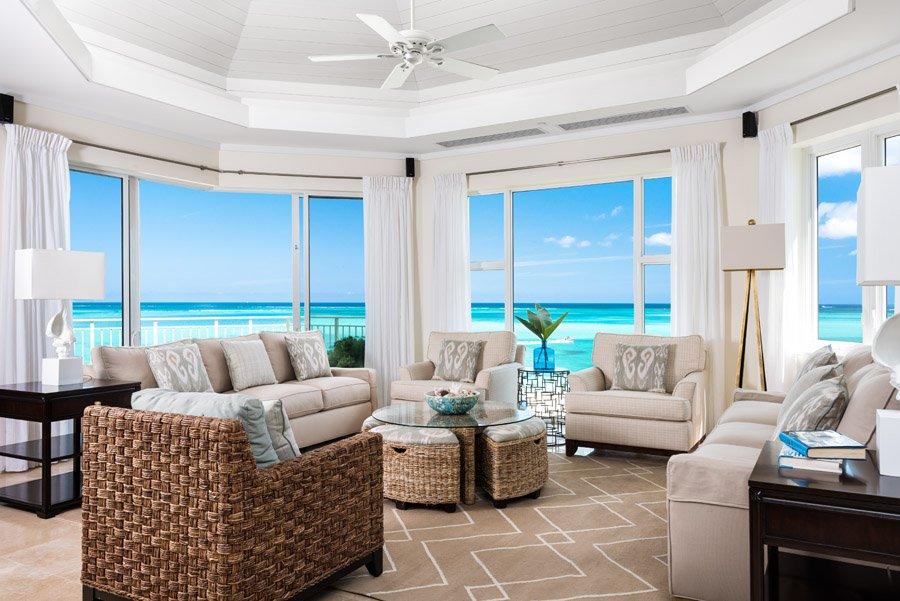 jj-premier_ocean_front_3_bedroom_suite_living_01