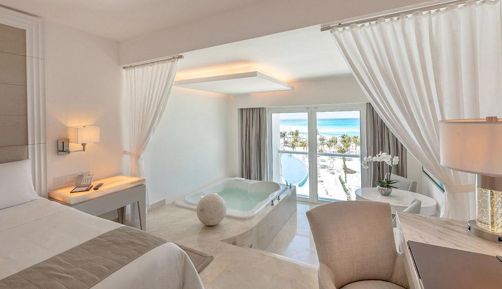 BB-le_blanc-cancun_royale-honeymoon-ocean-front-2_8