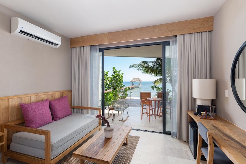 LL-ALEA-Master Suite Beach Access-810