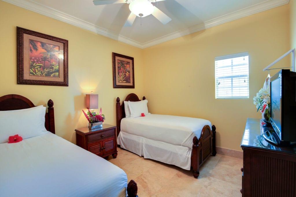 bb-windsong-2 Bedroom Oceanfront-twin