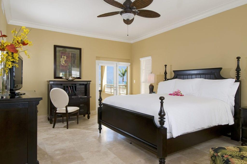 dd-windsong-tc-2 Bedroom Oceanfront Deluxe-bed-3