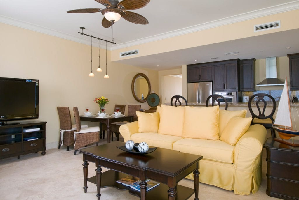 e-windsong-tc-1 Bedroom Oceanfront-living