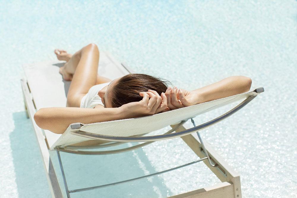 ee-wymara-tc-Villa-Sunbathing-By-The-Pool
