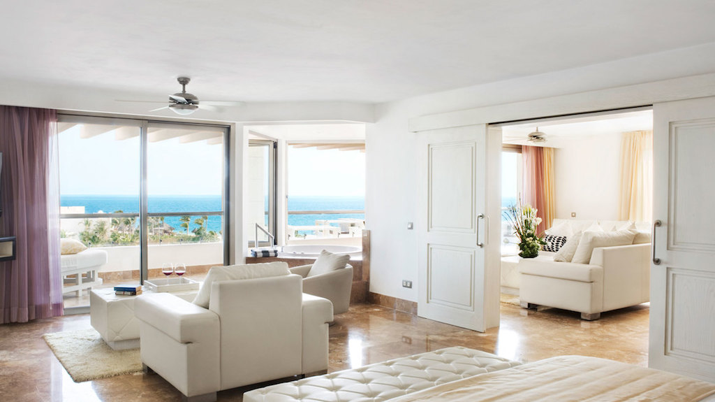 rr-beloved-PM-hotels-with-penthouse-suites
