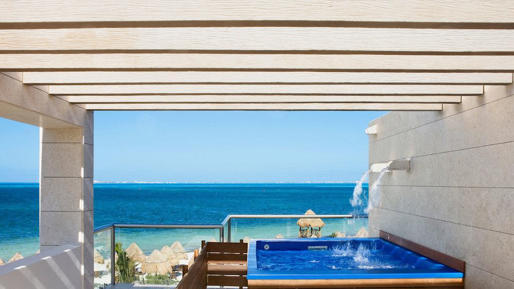 rr-beloved_PM-honeymoon-suites-with-private-pool