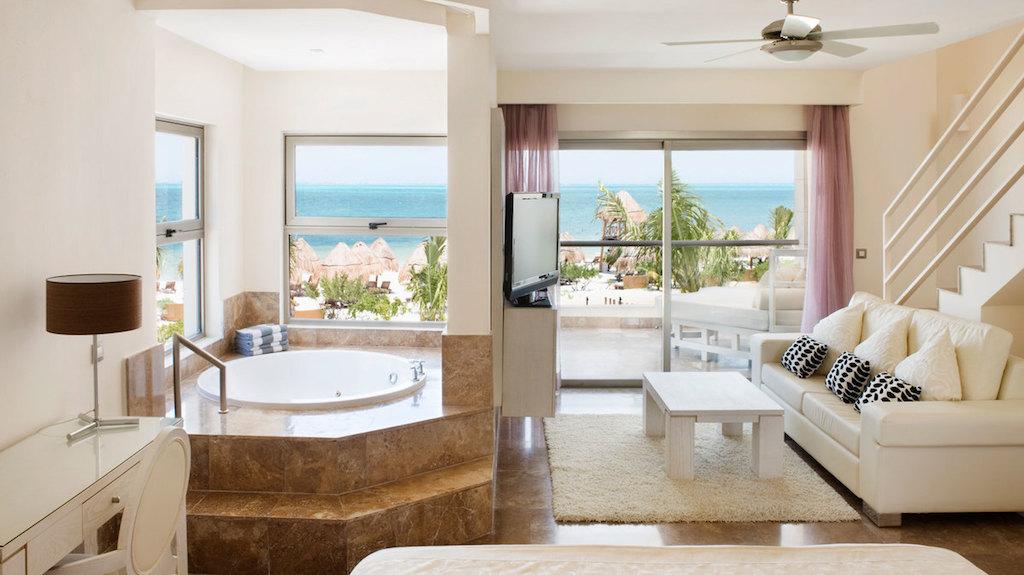 ww-beloved_PM-beachfront-hotel-cancun