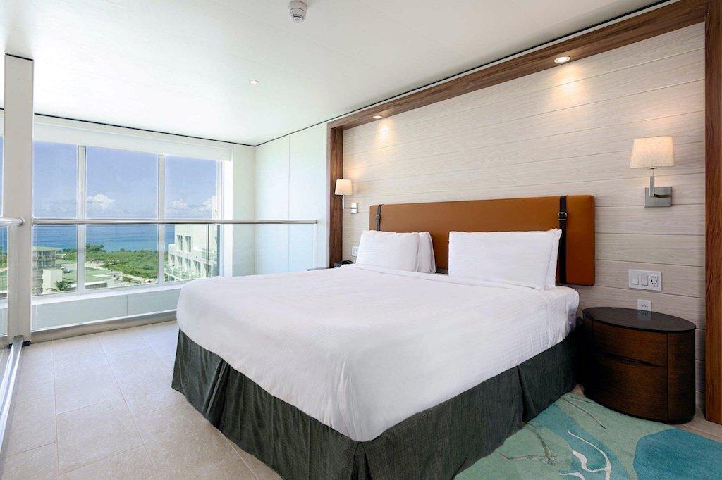 SONESTA-MAHO-oft_suite_bedroom