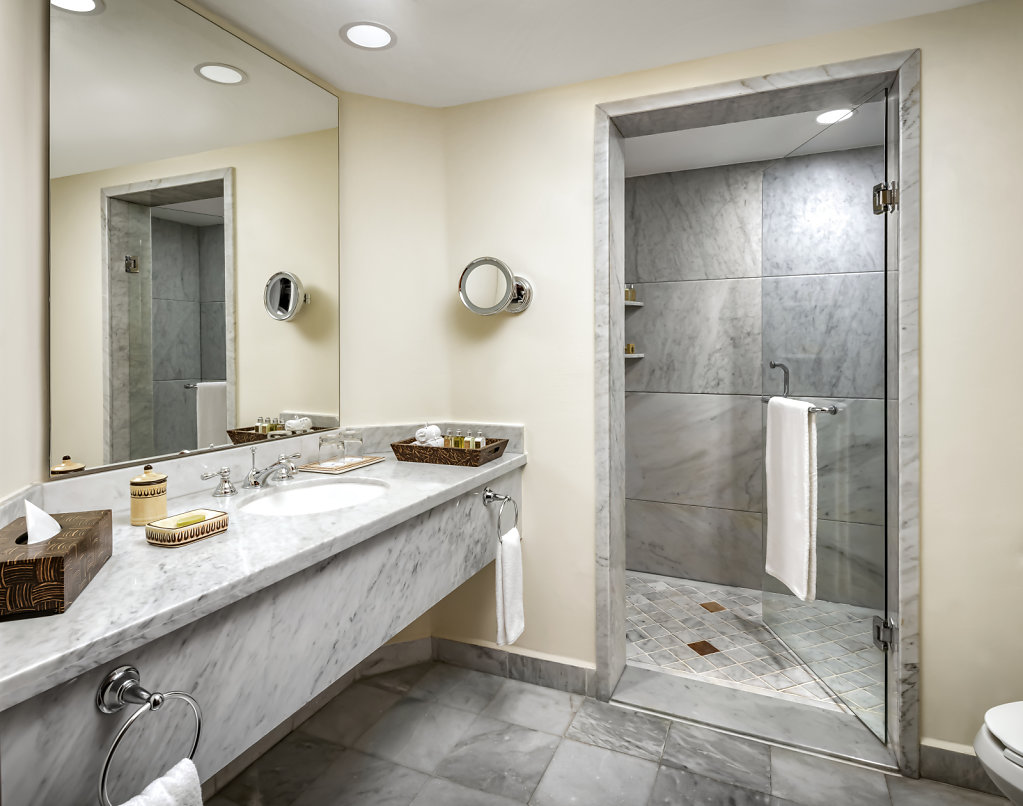 CASA-VELAS-Grand-Class-bathroom,large.1582830678