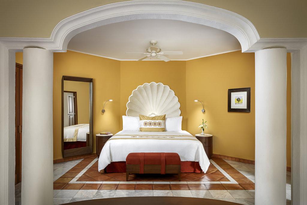 CASA-VELAS-master-suite,large.1582830678