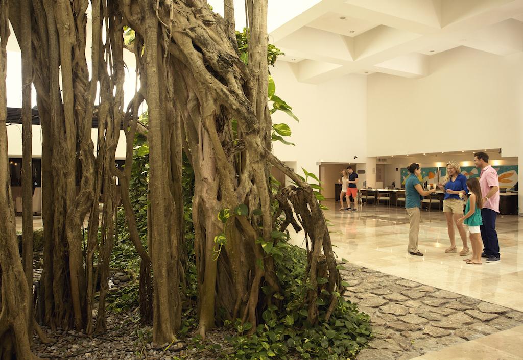 Playacar_Palace-Family at lobby