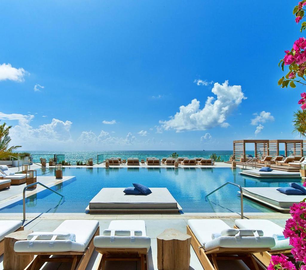 1sb-hotel-mia-hero-main_pool_4