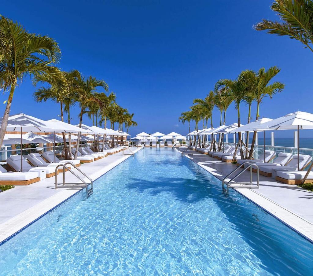 1sb-hotel-mia-hero-south-beach-watr-rooftop_pool1