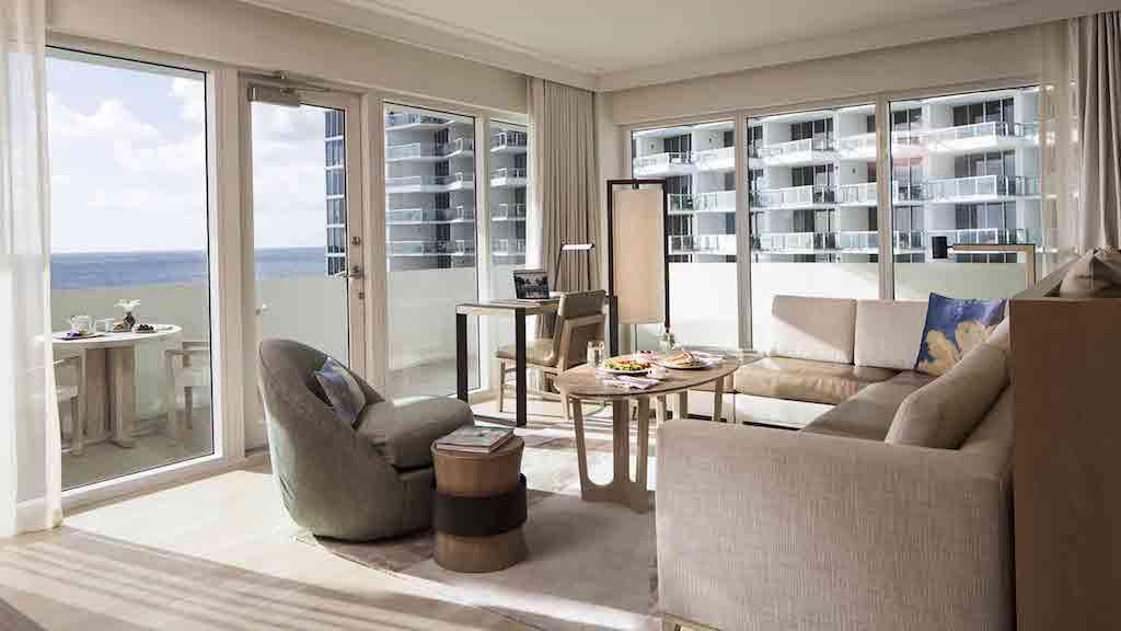 2500×1406-rooms-zen-suite-seating-area-breakfast-on-table