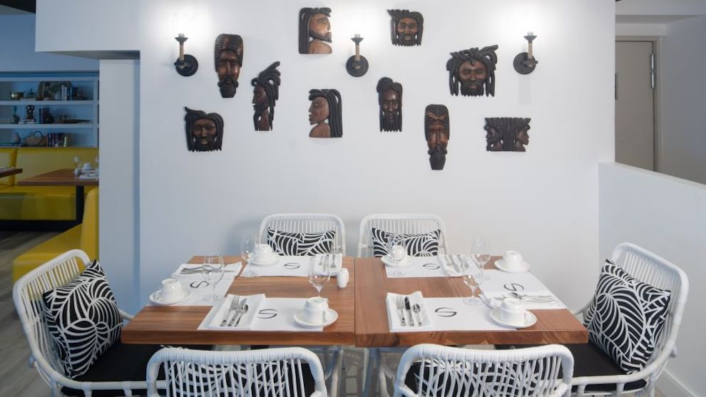 Dining_in_Montego_Bay,_S_Hotels_Jamaica_4