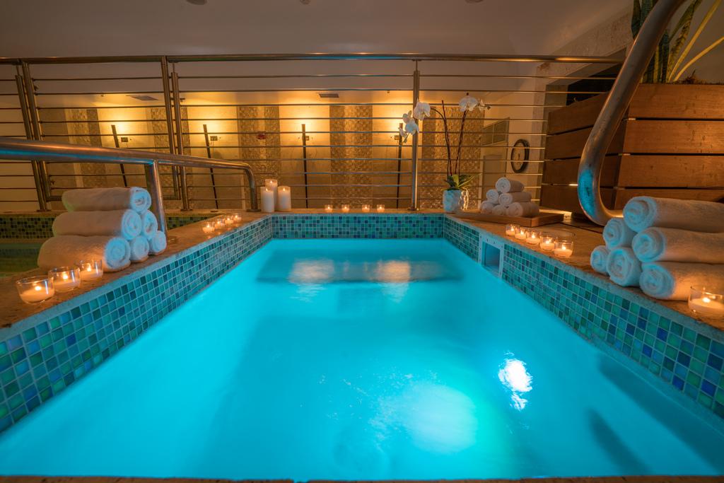 Esencia Wellness Hydrotherapy Pool