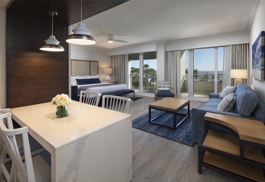 HERO-The-Resort-at-Longboat-Key-Club-Beachfront-Junior-Suite_2