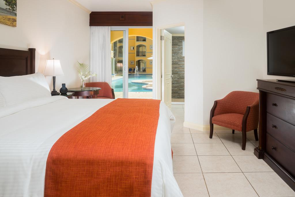 JPC – Poolview Guestroom
