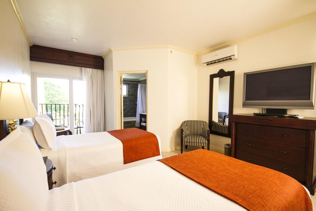 JPC – Premier Guestroom Double