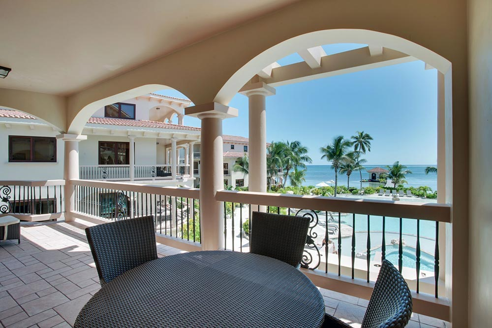 Luxury-Seaview-Acoomodation-in-Belize-at-Coco-Beach-Resort