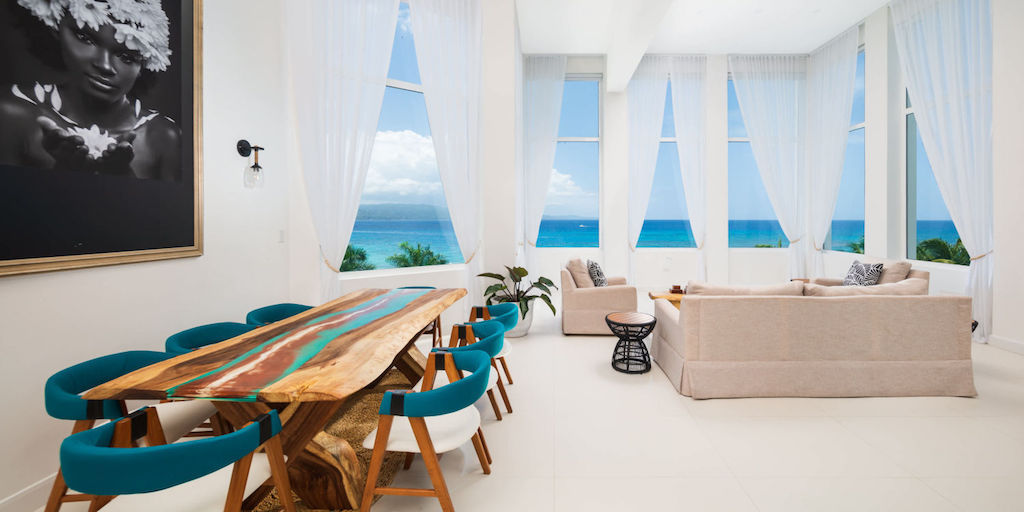 Montego_Bay,_S_Hotel_Jamaica-P_Suite-4_d6jwul